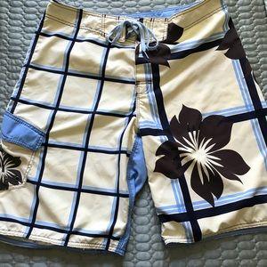 NWOT Billabong men's board shorts